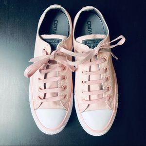 Chuck Taylor Style PINK Converse Women's Size 9
